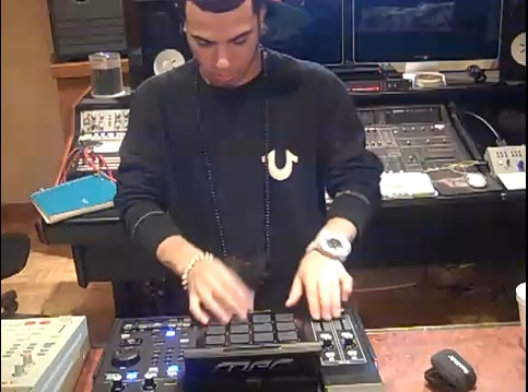 araabMUZIK at work