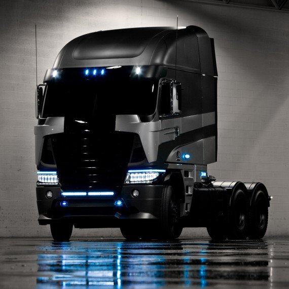 TRANSFORMERS 4 – 2014 FREIGHTLINER ARGOSY CAB-OVER TRUCK