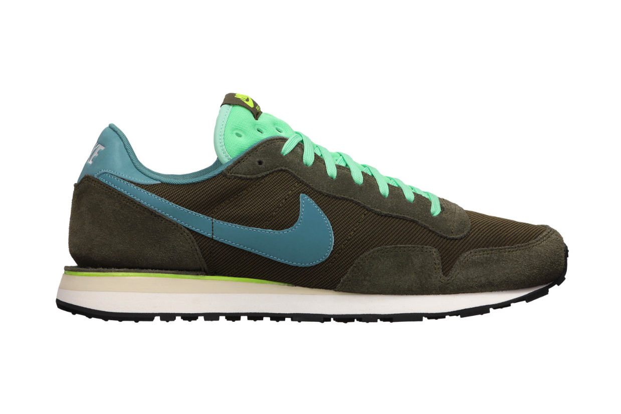 best service a1f8b a89ae Road Runner Sports X Nike Air Pegasus 30 California