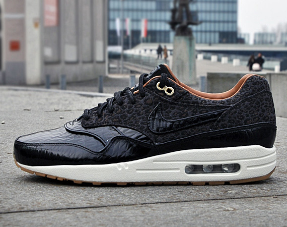 nike air max 1 with jeans