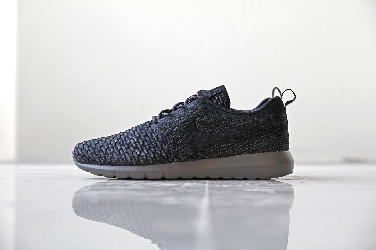 "the latest b8197 ce54b Look at the Nike Flyknit Roshe Run ""Midnight Fog"" ."