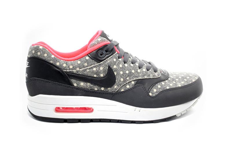 """Nike Sportswear 2015 January """"Polka Dot"""" Pack"""