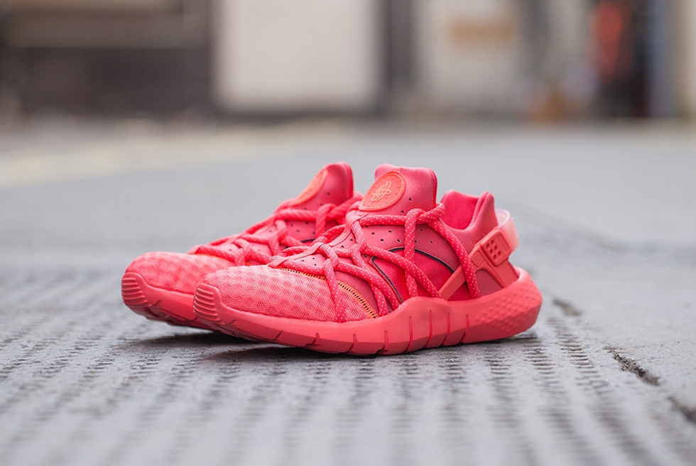 "NIKE AIR HUARACHE NM ""HOT LAVA"""