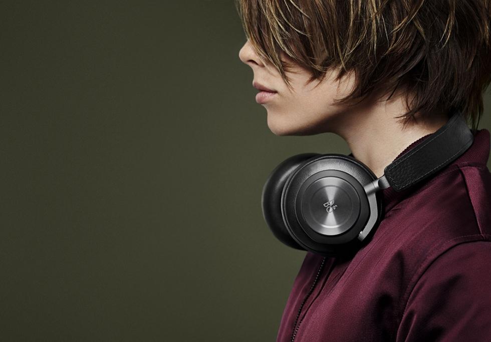 Bang & Olufsen BeoPlay H7 Premium Wireless Over-Ear Headphones
