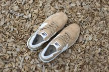 NEW BALANCE 990 ARRIVES IN A NEUTRAL TAN COLORWAY