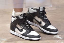 comme-des-garcons-Nike-sneakers-002