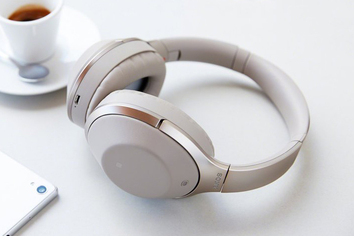 Sony Shows Off The Advanced Noise Cancelling MDR-1000X Headphones